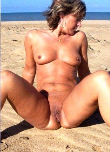 зрелие голие на пляже фото..