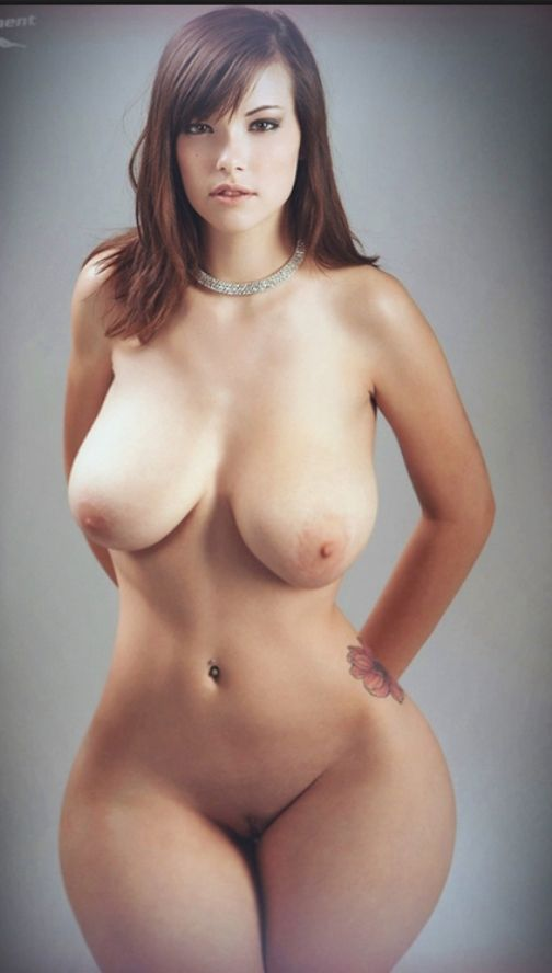 голые фото большие бедра